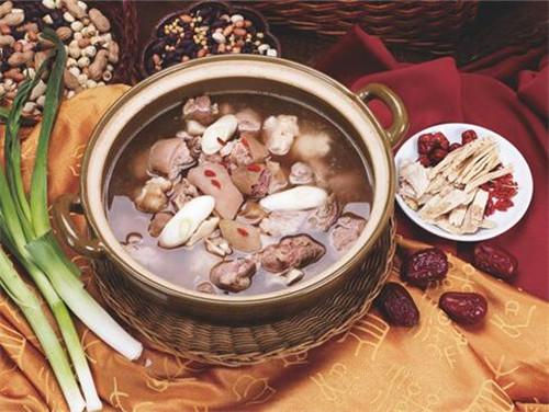 冬季养生小知识饮食_冬季养生吃什么食物呢