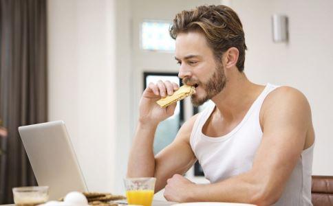 从胡子状态看男人身体是否健康